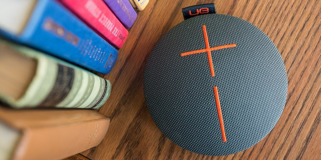 portable-bluetooth-speakers-top-2x1-lowres1024-1808